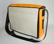 Laptoptasche aus reycelten Materialien