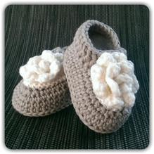 Mollig warme Babyschuhe *Roses* ...hellgrau & weiß