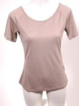 SUPER.NATURAL W ESSENTIAL SCOOP NECK TEE