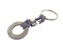 Schlüsselanhänger Gute Fahrt, Auto, Lederband grau