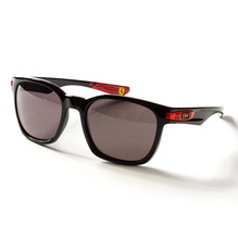 oakley garage rock 9175-34 Ferrari black